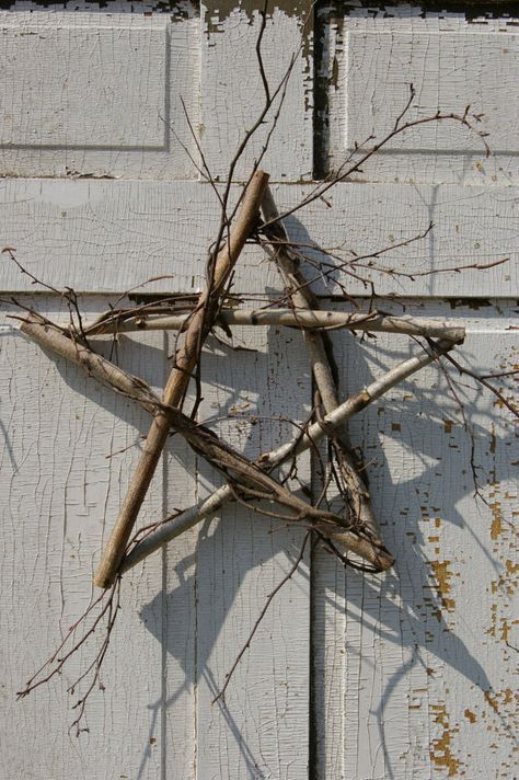 "Primitive Birch 5 Point Star Wreath 15"" wall art or door decor Organic Green"