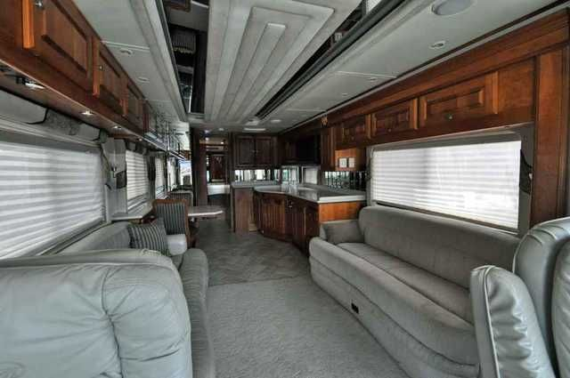 2002 Used Monaco Executive M-43DS2 Class A in Tennessee TN.Recreational Vehicle, rv, 2002 Monaco Executive M-43DS2, Check out this Pre-Owned 2002 Monaco Executive available now at Buddy Gregg RVs and Motor Homes! This unit is in good condition and features 2 slides and 2 opposing sofas for plenty of sitting room! Visit our Knoxville lot to take a look or call our Sales Office at 865-233-9838 for more information! Features: Solid Surface countertops, Double Door Residential Refer, Walk in…