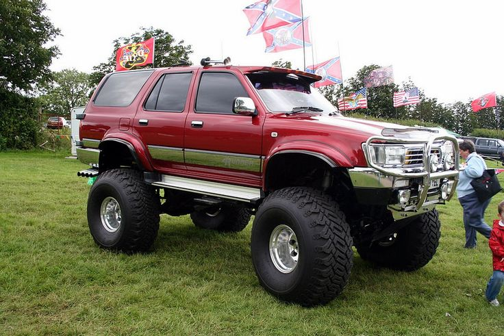 Toyota Hilux Surf Monster Truck