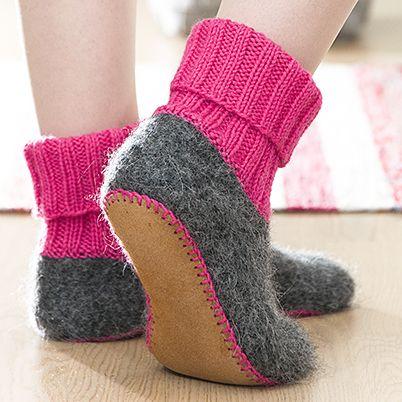 OHJE: Vanutetut tossut. Knitted, felted slippers by Pia Heilä for Lankava Oy http://www.lankava.fi/WebRoot/esito/Shops/esito/MediaGallery/OHJEET/2015/Vanutetut_tossut.pdf