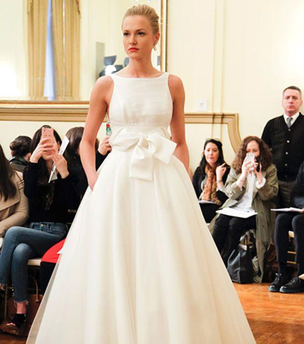 Robe de mariée 2017 - Peter Langner, robe avec noeud à la taille