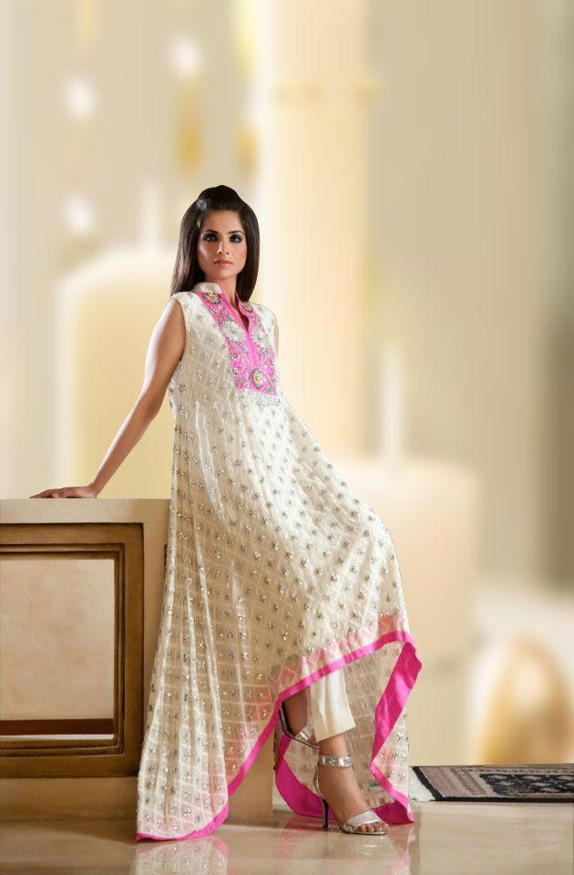 769eb140c Pin by Sasa Sasa on Kapra | Pakistani dress design, New pakistani dresses,  Pakistani dresses