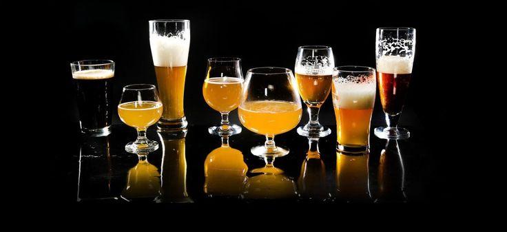 """""""Piwne mity"""" to zbiór mniej lub bardziej trafnych spostrzeżeń, niesłusznie wykazujących związki przyczynowo-skutkowe odnośnie spożywania tego alkoholu. Najwyższa pora pozbyć się przynajmniej części z nich! http://exumag.com/piwne-mity-top10/"""