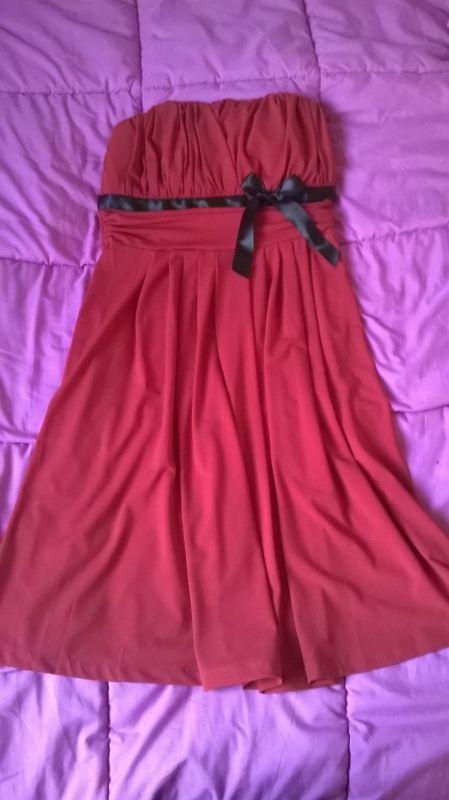 #Location robe portée une seule fois, en excellent état. Robe de soirée bustier Morgan à louer à St-Médard-en-Jalles (33160) - www.placedelaloc.com #robe #consocollab