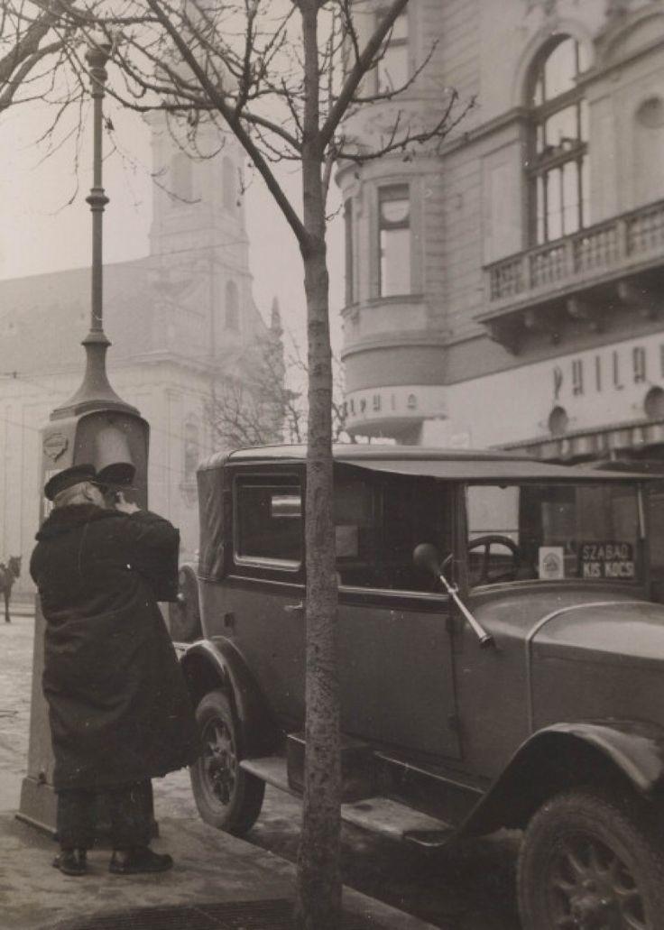1930 táján, Alagút utca, a Philadelphia kávéház.