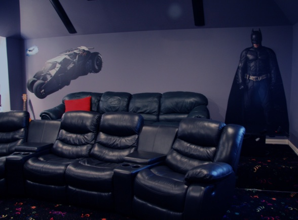 Sick movie room! Love to have this downstairs!