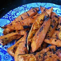 Gegrilde zoete aardappelen van de barbecue @ allrecipes.nl