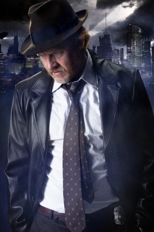 First Official Image Of Harvey Bullock From Gotham TV Series