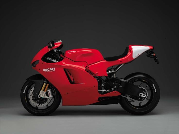 2007 Ducati Desmosedici RR. A racer for the road.