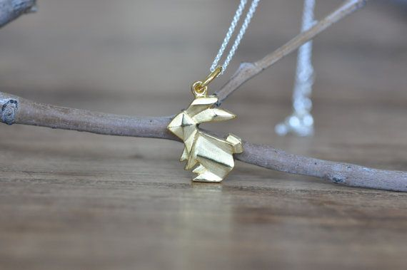 Super super adorable cute little Origami Rabbit Necklace! You wont be disappointed...love love my origami collection. Bunny is finished in Matte