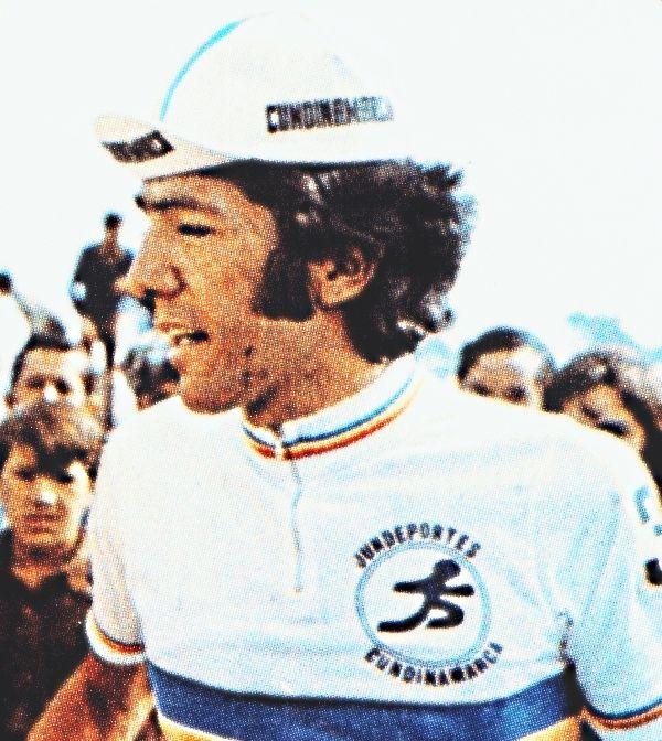 Álvaro Pachón Morales nació en Bogotá, Colombia un 30 de noviembre de 1945, desde joven se vislumbró como uno de los grandes en las carreras ciclistas, así ganó el Clásico Nacional de Turismeros representando al Club Cicloases, en la Vuelta a Colombia se constituyó en el participante de menor edad en su primera Vuelta, ya que contaba con diecisiete años en la vuelta de 1963.