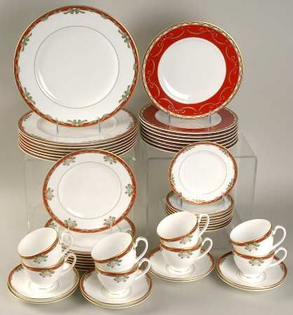 Your Favorite Brands Holiday Dinnerware Sets 48 Piece Set