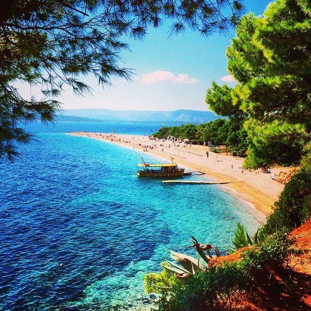 """A beach in #Croatia (Zlatni Rat (""""Golden Horn""""). #TravelTogether"""