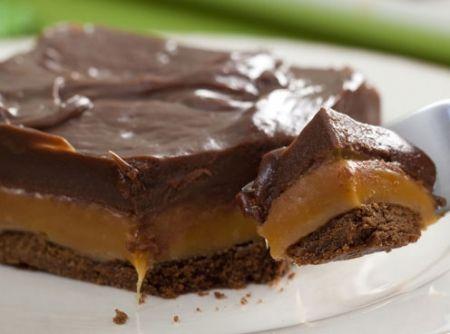 Chocolate Twix de Tabuleiro perfeito! #twix #torta #pie #chocolate #chocolat #dessert #sobremesa #food  #doce #natal #christmas #comida