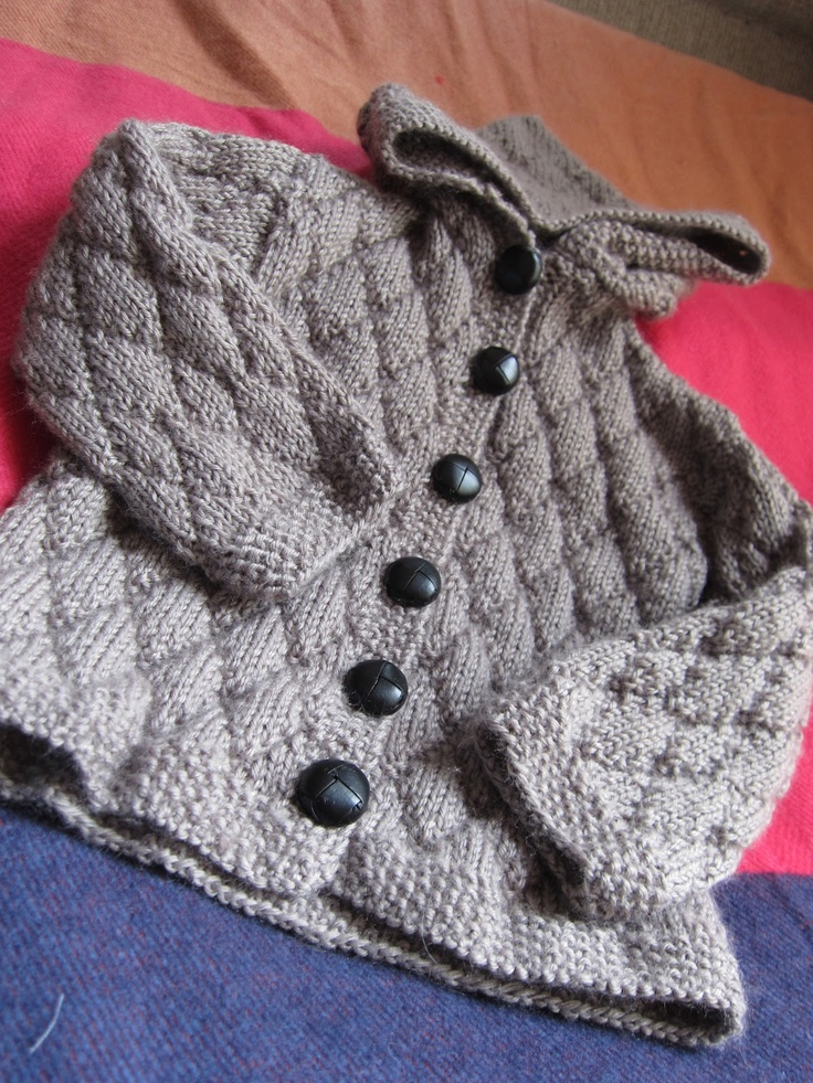 Knitted diamond pattern for sweater.