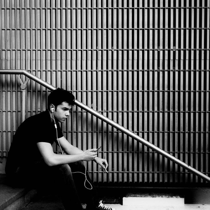 #paris #rue du #chevaleret #street #olympiades #escalier #stairs #bnw . . .  #street #photography #photographiederue #streetphoto #streetphotography #photoderue #life_is_street #voidtokyo #streetlife #moodygrams #spicollective #capturestreets #urbanphoto #wearethestreet #streetlife_award #blackandwhite #noiretblanc #blackandwhitephotography #photonoiretblanc #monochrome