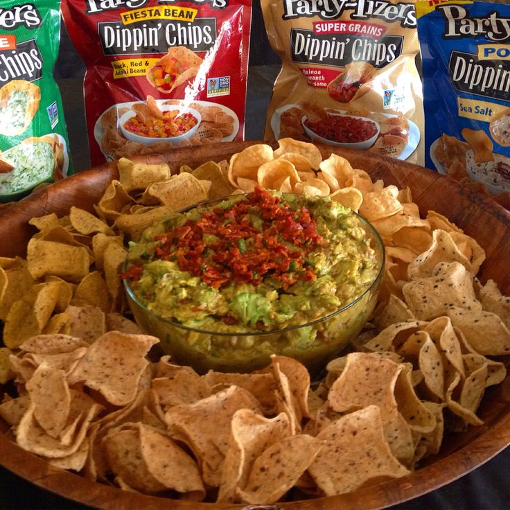 Are you Dippin' Chips? M''m Spicy Guacamole Bacon Dip served with Dippin' Chips. #Dipster #DippinChips #PartyTizers #NonGMOChips #GuacamoleDip #SpicyGuacamoleDip #SpicyGuacamoleBaconDip #GuacamoleBaconDip #ilovehomecooking #SuperBowl #Patriots #Seahawks #SuperBowl2015 #SuperBowlDips #SeattleSeahawks #NewEnglandPatriots