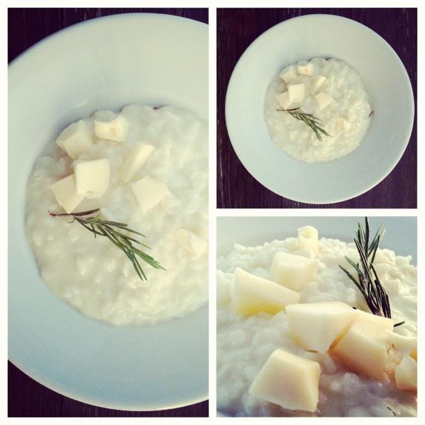 Rosemary scented risotto with local taleggio #piandellebetulle