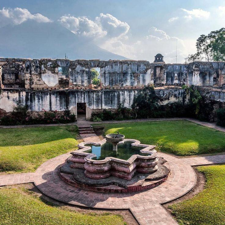 Ruinas de San Jerónimo Antigua Guatemala Sacatepéquez. #guatemala #galasdeguatemala #guatemalaphotostock #destinoguate #antiguaguatemala #colonial #paisaje #landscape #landscapephotography #wanderlust #wanderland #instagrammersgt #instatravel #travel #viajexguatemala