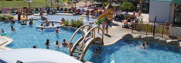 Camping 4 étoiles avec piscine couverte chauffée et mobil-homes proche du Futuroscope, de la cure thermale et du zoo de Beauval.