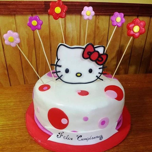 #HelloKitty #fondant #cake by Volován Productos #instacake #puq #Chile #VolovanProductos #Cakes #Cakestagram #SweetCake