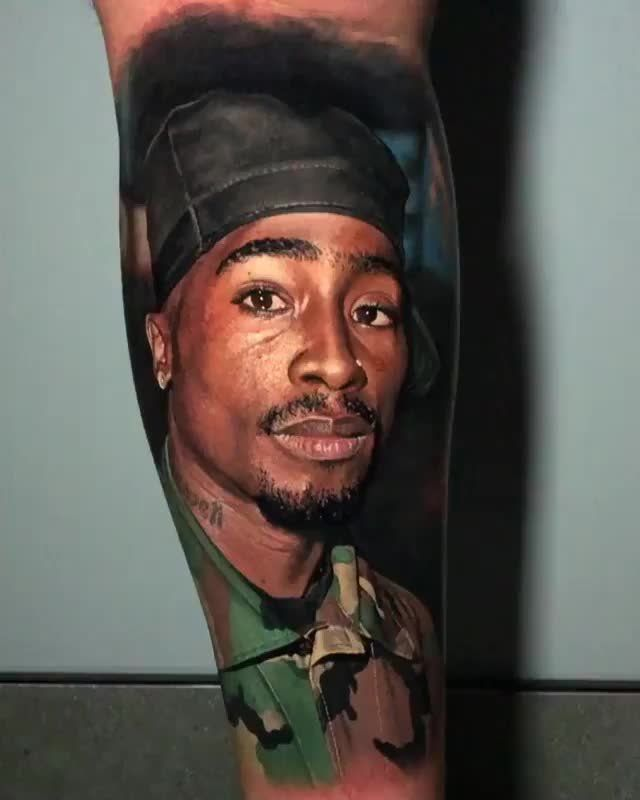 This Tupac Tattoo Is The Most Hyper Realistic Tattoo I Have Ever Seen Interestingasfuck Tupac Tattoo Steve Butcher Tattoo Hyper Realistic Tattoo
