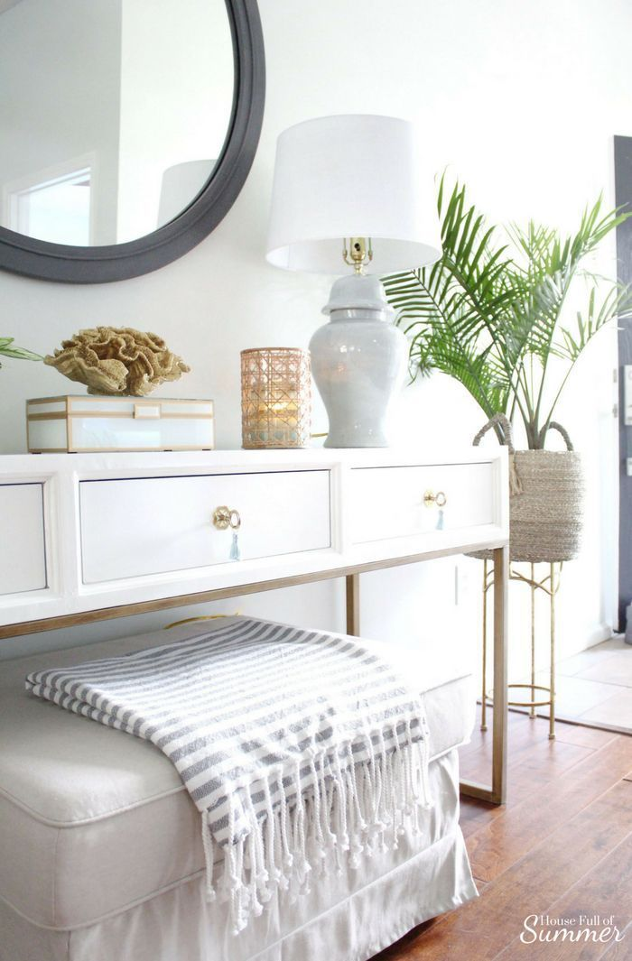 Serene Coastal Chic Foyer Refresh In 2020 With Images Beach