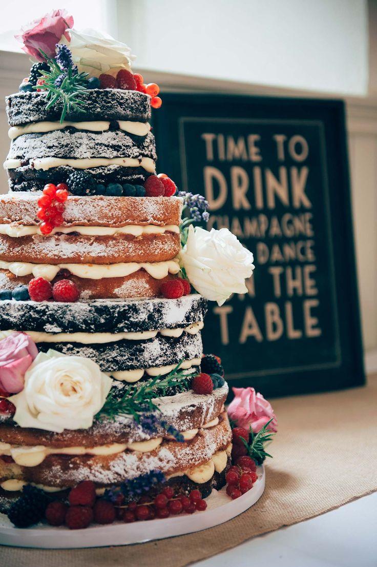 Ein Naked Cake zum Anbeißen!! #Hochzeitstorte #NakedCake