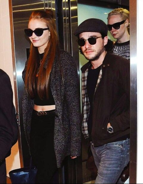 ~Sophie, Kit, & Gwen at LAX~ | Sophie Turner | Kit ...