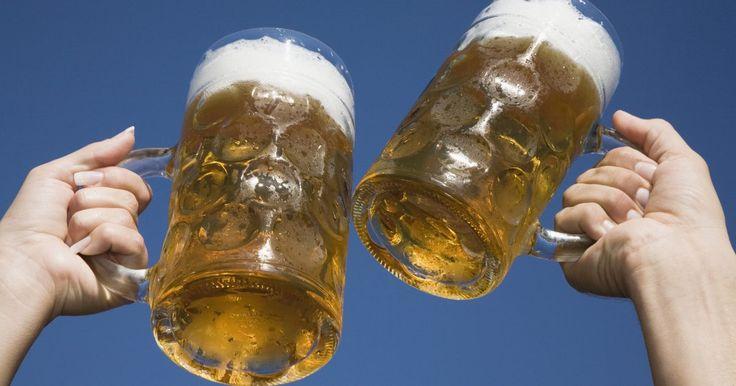 ¿Qué es más saludable: la cerveza o las bebidas de alta graduación alcohólica?. Aunque la cerveza y las bebidas espirituosas, o los licores destilados, tienen características muy diferentes, sería una exageración decir que el consumo de ellos es saludable. Además de los problemas de salud, como la cirrosis hepática, el síndrome de alcohol fetal, el alcoholismo y la hipoglucemia, el consumo de alcohol puede conducir a estilos ...