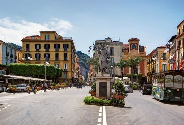 Headed to Sorrento and wondering what to do? Here's what we do when we're there.
