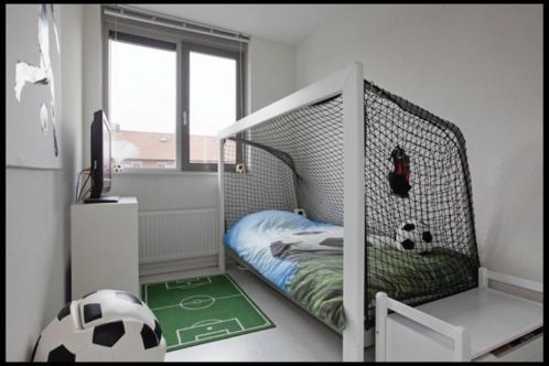 coole jongenskamers voetbal google zoeken f r kinder pinterest kinderzimmer bett. Black Bedroom Furniture Sets. Home Design Ideas