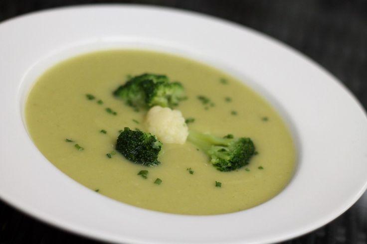 Blumenkohl - Brokkoli - Suppe, ein raffiniertes Rezept aus der Kategorie Gemüse. Bewertungen: 11. Durchschnitt: Ø 4,2.