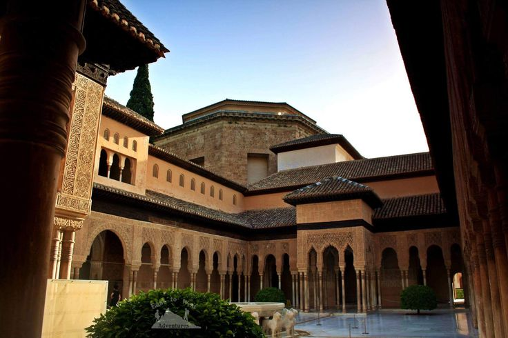 Watch out ! 12 lions hiding in the palace انتبه ! ١٢ اسد يختبئون في القصر #easttowestadventures #courtofthelions #alhambra #nasridpalace #column #courtyard #scenic #eveninglight #dusk #arches #architecture #detailing #restoration #granada #spain #traveleurope #andalucia #mediterranean #irishabroad #travelwithme #jordanian #travelcouples #blogger #solucky #lion #statues #fountains #مغامرات_من_الشرق__الى_الغرب #فناء_الاسود #غرناطة