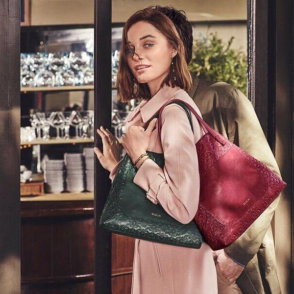 秋の装いはTOUSのバッグで。#tous #tousjewelry #bags #collection #mossaic #fall #autumn #green #cool #model #トウス #トウスジャパン #秋冬 #秋 #バッグ #クール #可愛い #革