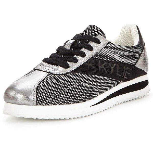Kendall & Kylie Kendall Kylie Karmyn Metallic Trainer (560 ILS) ❤ liked on Polyvore featuring shoes, sneakers, kendall kylie shoes, metallic shoes and metallic sneakers