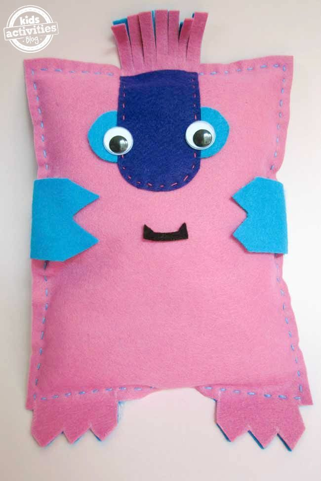 Zenkidu: A simple hand sewing project to make with your kids More