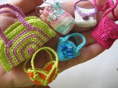 Новые наряды для старых кукол | Вязание крючком игрушки.