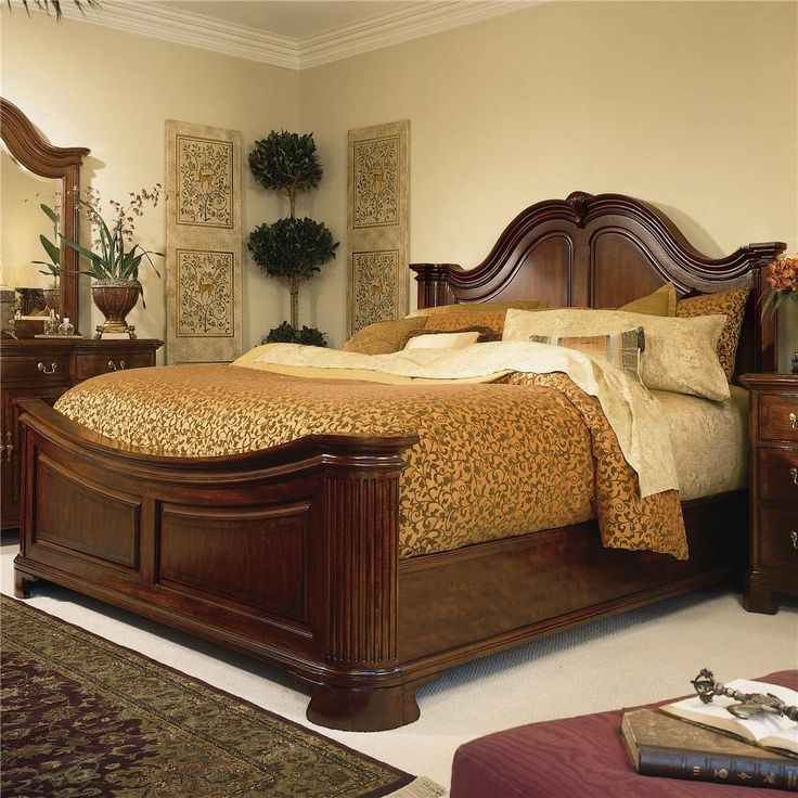 Cherry Grove 45th Queen Traditional Mansion Bed by