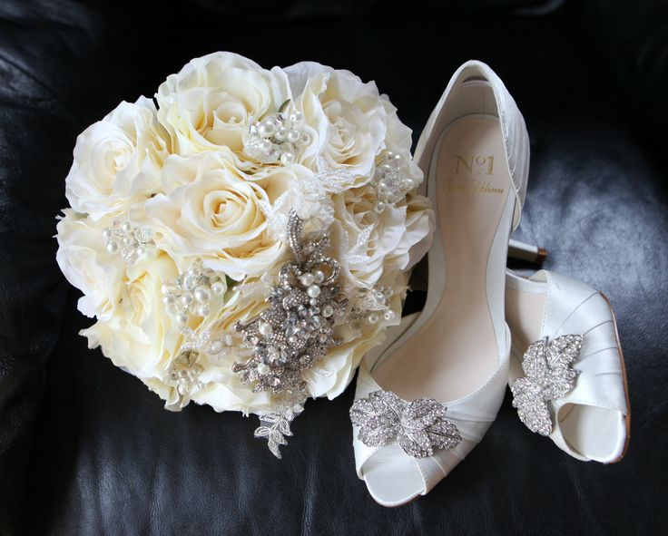 Cream rose's and crystal