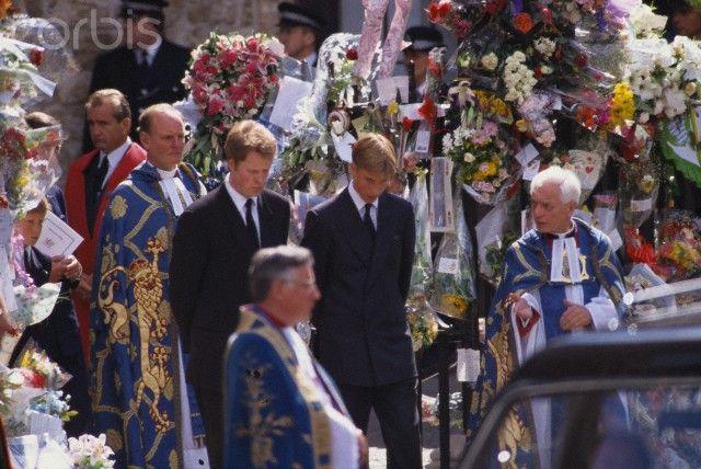 Photos of Princess Diana's funeral   princess diana funeral - Prince William Photo (33146564) - Fanpop ...