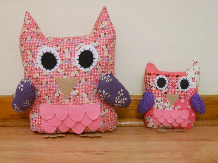 Hoot Owl comes in two sizes.