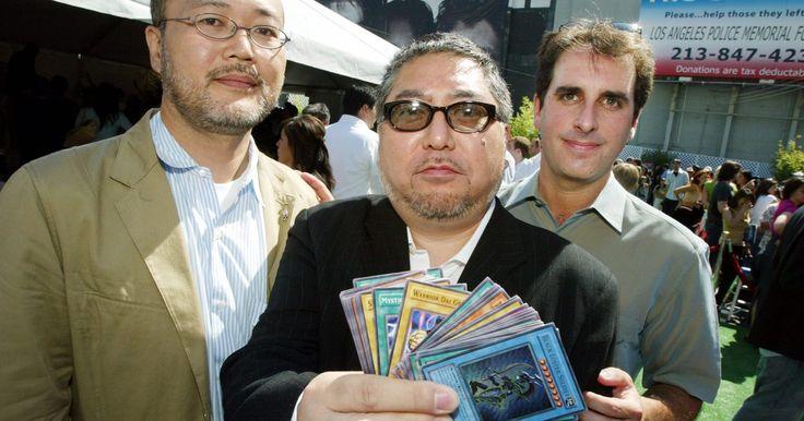 Cómo construir un mazo poderoso de Yu-Gi-Oh. Para conseguir la victoria en el juego de cartas de Yu-Gi-Oh!, los jugadores deben primero crear un mazo que pueda estar a la altura del oponente. Construir un mazo de Yu-Gi-Oh requiere de conocimiento de las cartas disponibles así como también es importante tener presente que tratar de ganar un duelo sólo mediante la ofensiva puede llevarte ...