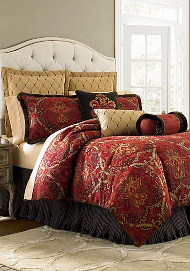 Exotic and warm tones in this luxurious comforter. Konya Bedding Collection  makes us swoon.