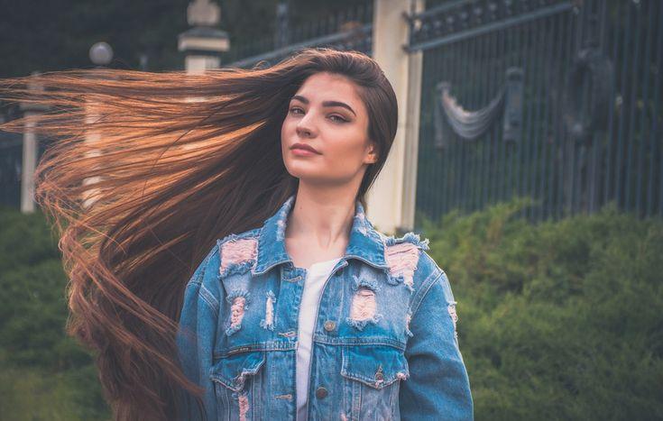Πώς θα μακρύνουν γρηγορότερα τα μαλλιά σου ενώ λούζεσαι!