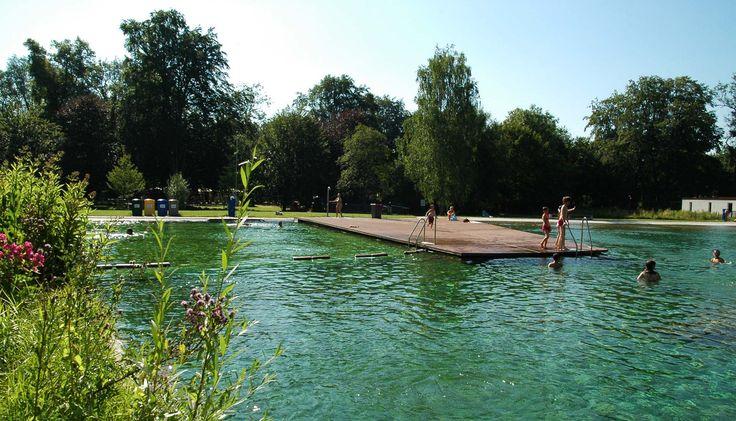 Super Badesteg/Badeinsel mit MYDECK Barfußdielen im Maria Einsiedel Bad München