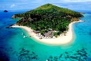 As if you needed more reasons to travel to paradise, here are 20 great reasons to visit Fiji!  http://qoo.ly/gdyw8