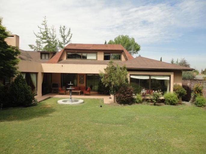 Linda casa en condominio Informe de Engel & Völkers | T-1416865 - ( Chile, Región Metropolitana de Santiago, Lo Barnechea, La Dehesa Central )