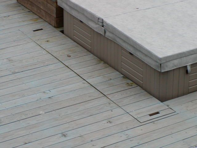 REMOVABLE DECKING SECTION FOR SPA MAINTENANCE | http://www.tractorbynet.com/forums/attachments/projects/32144d1105478528-spa-deck-requirements-562855-spa2.jpg