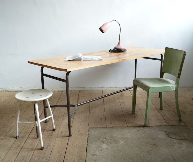 Recycled dining table (artKRAFT)